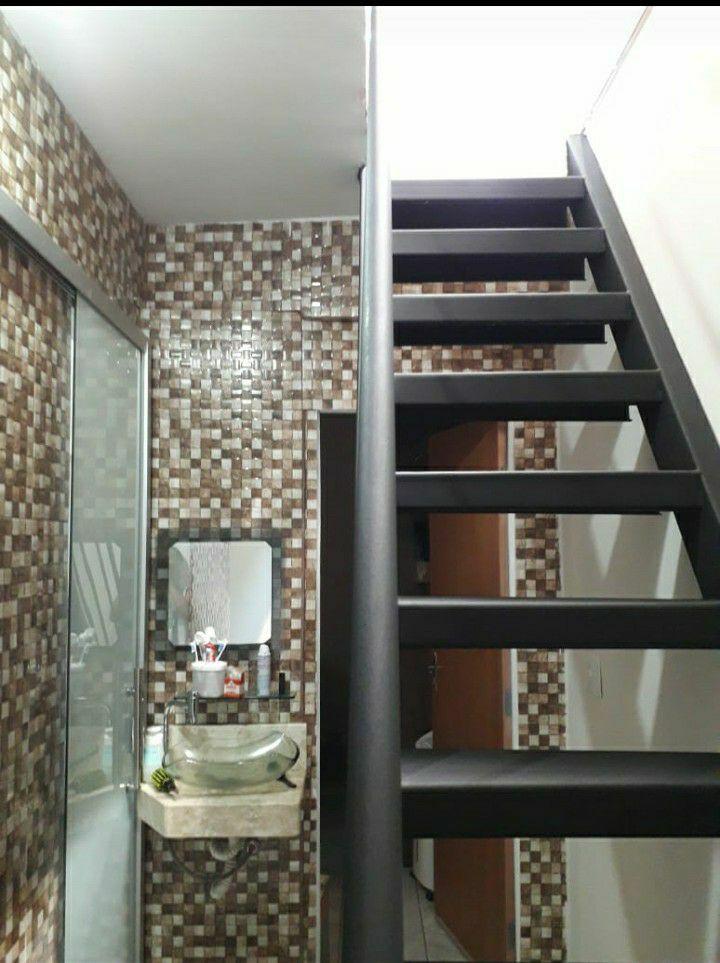 piso e escada