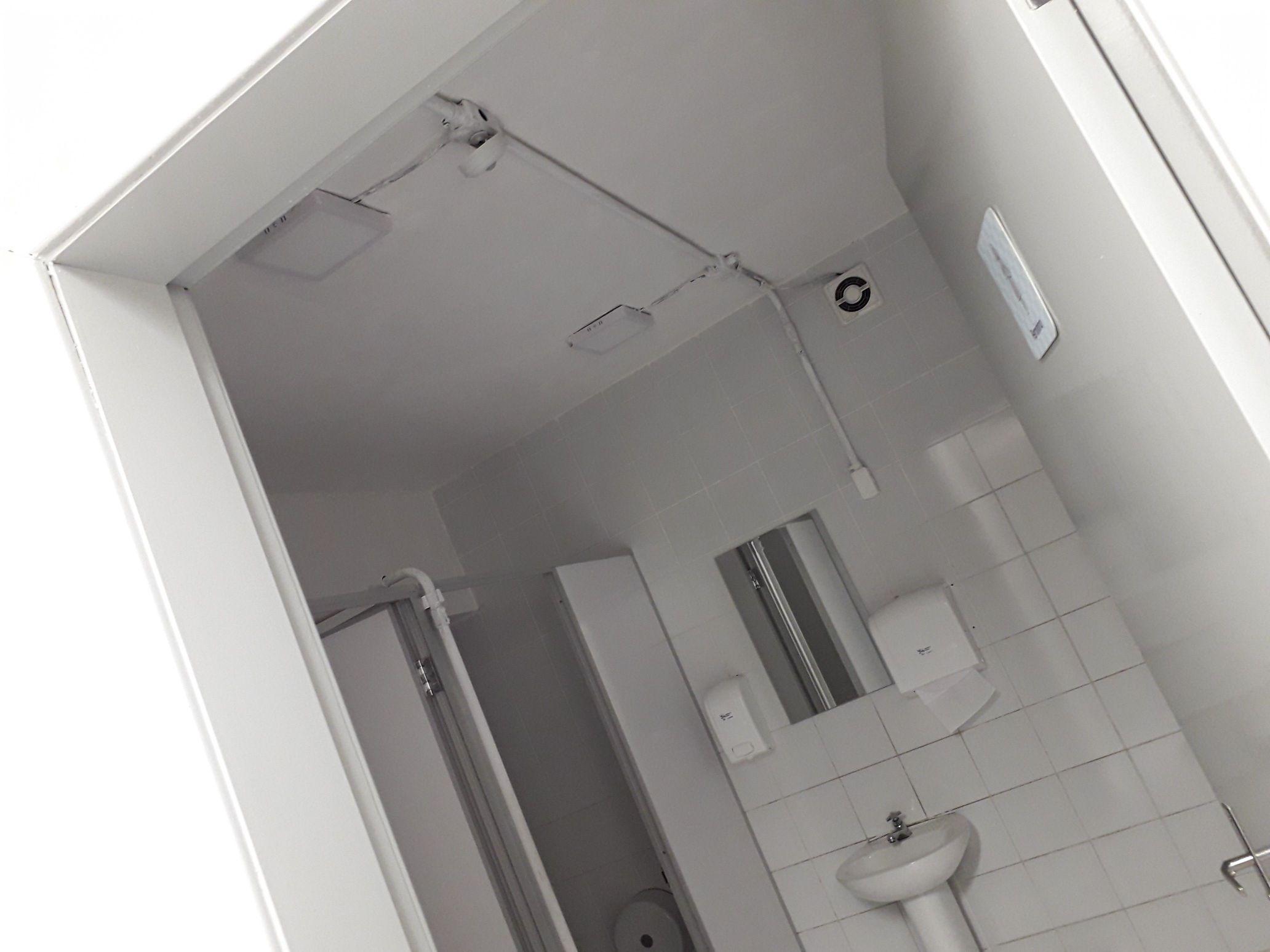 banheiro todo