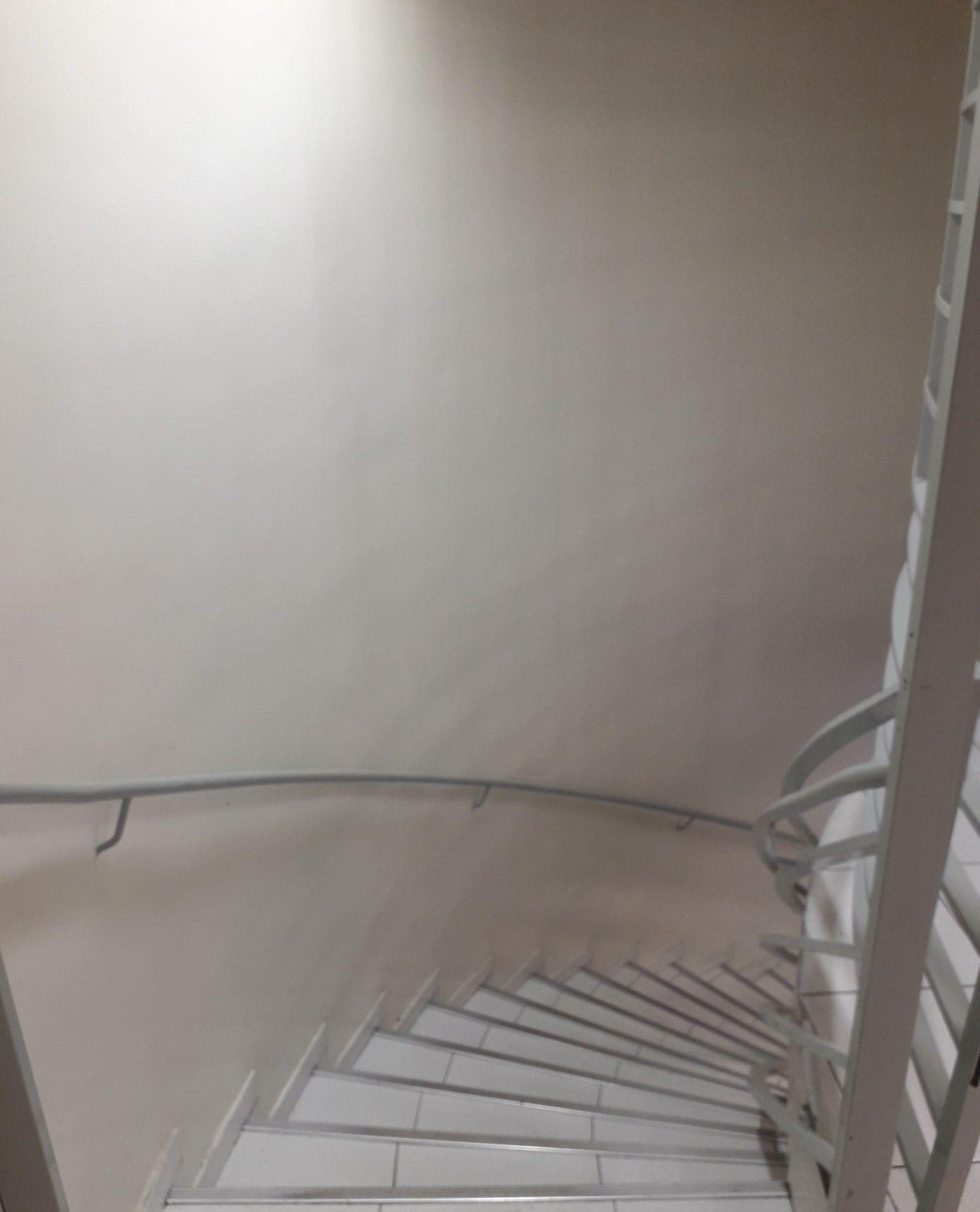 escada e rodapés
