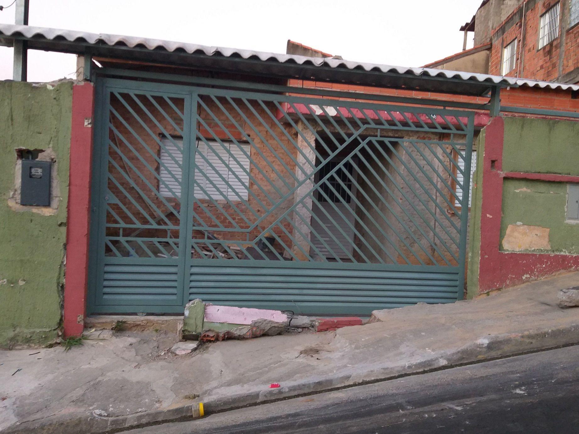 portões de correr em perfis  quadrado galvanizados