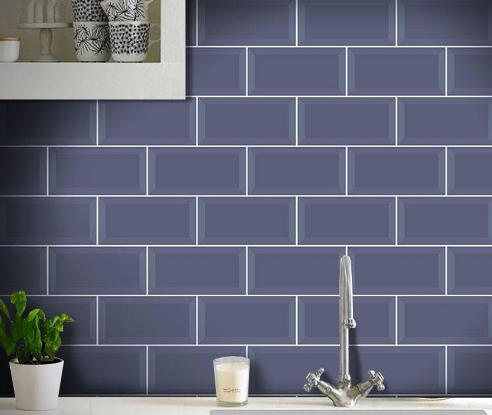 azulejo colocado na parede da cozinha.