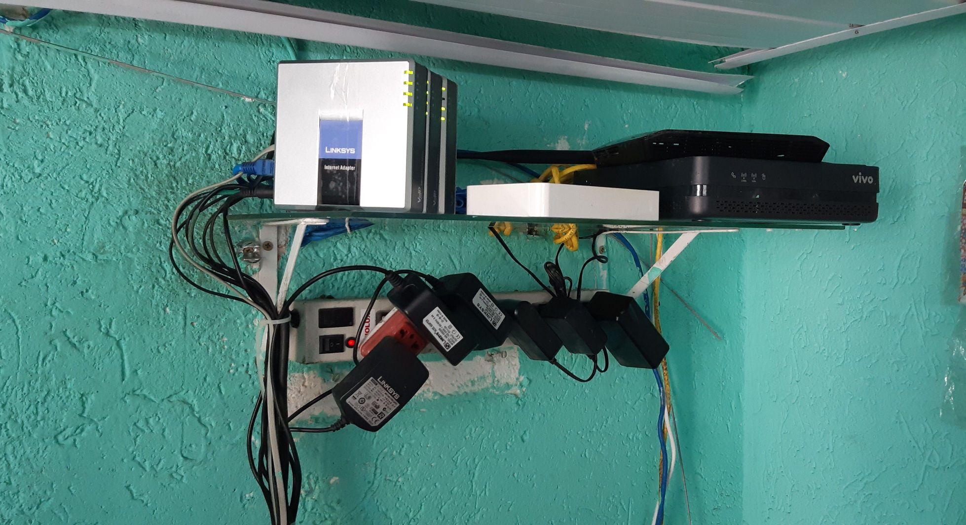 Configuração Adaptadores VoIP e Roteador Wi-Fi.