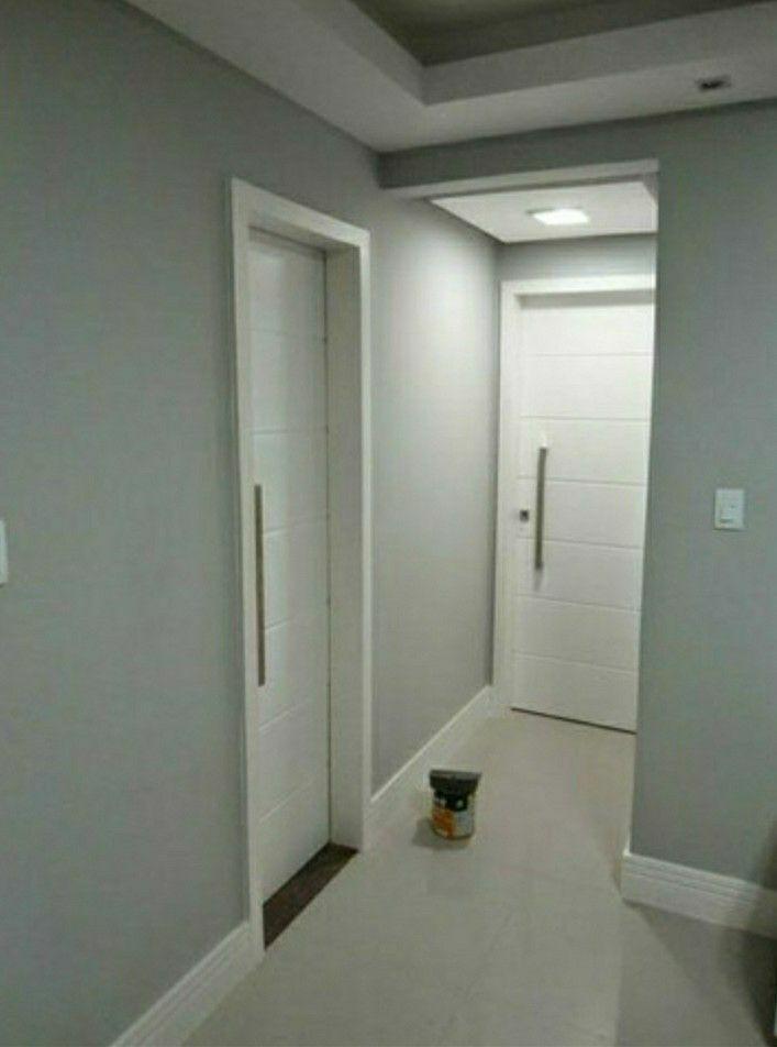 Pintura de portas e paredes