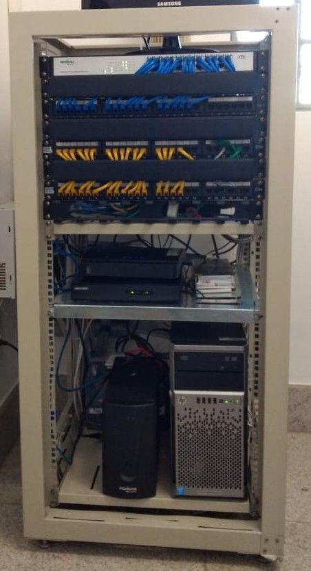 Rack piso com rede, telefonia, circuito de câmeras