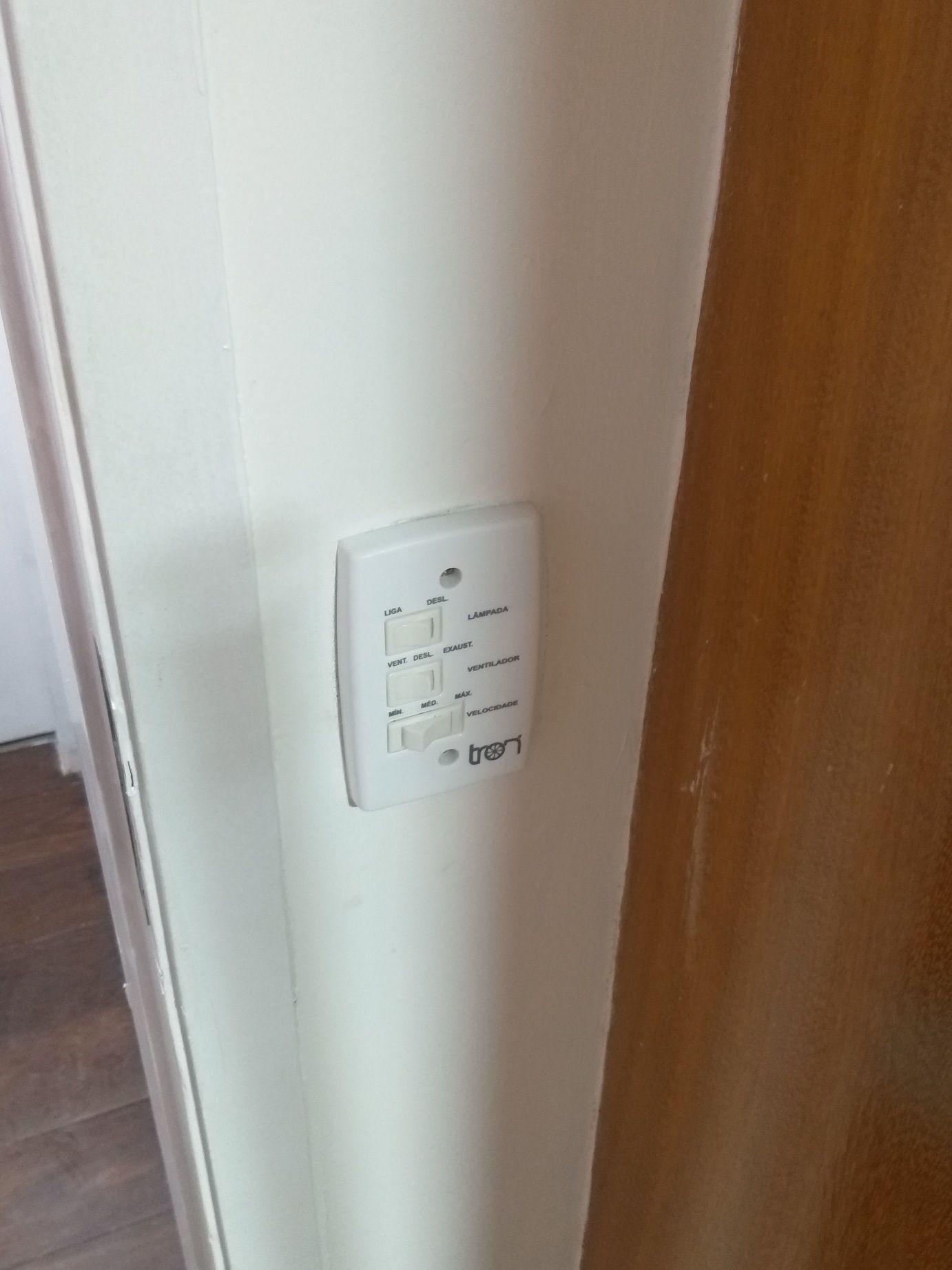 Controle de ventilador de teto
