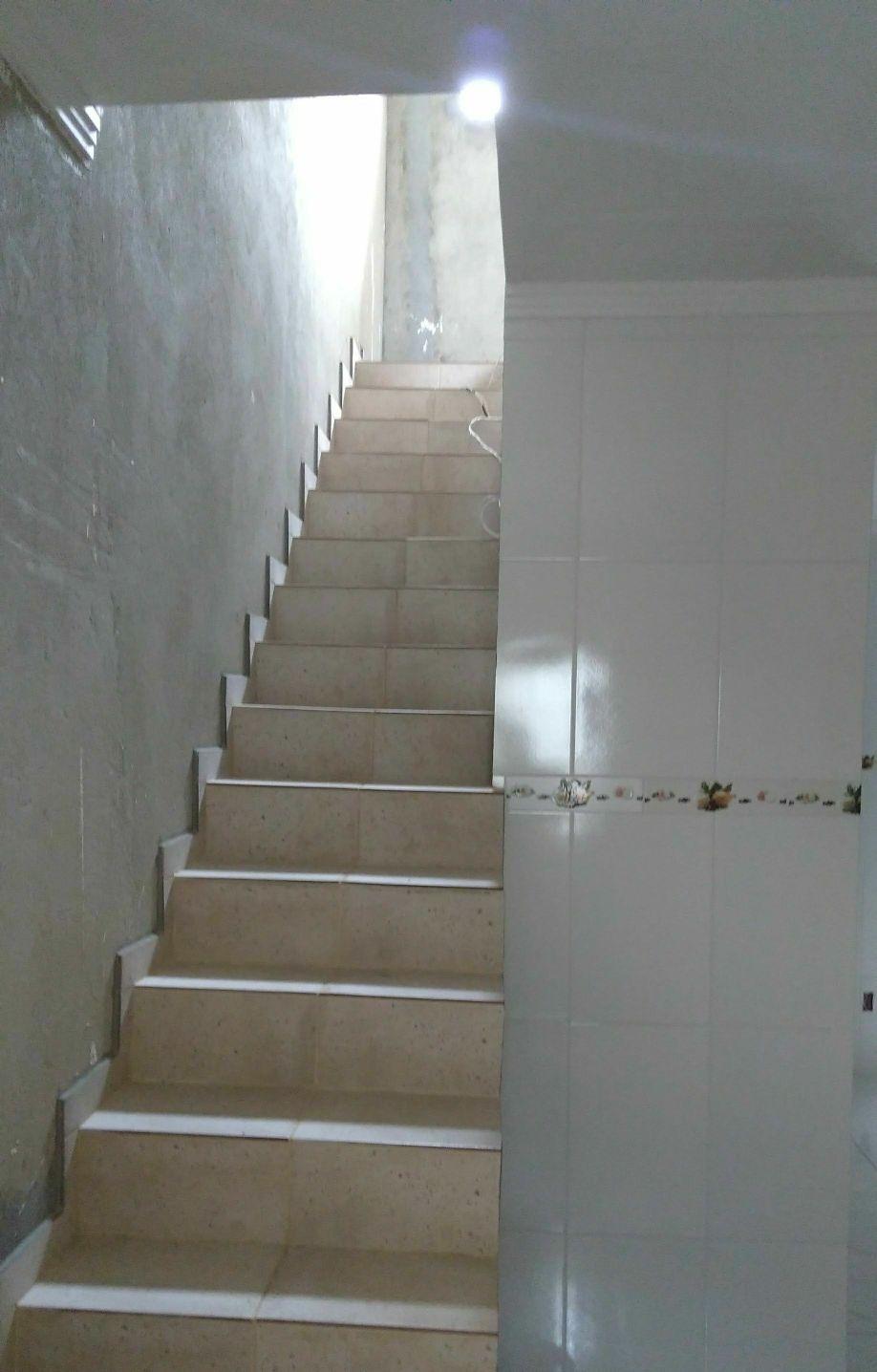 Reforma em residência (piso e revestimento)
