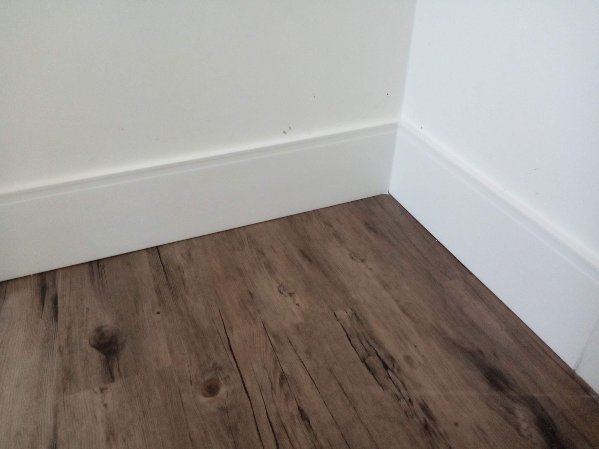 piso vinílico clik 5mm e rodapé santa luzia 20cm