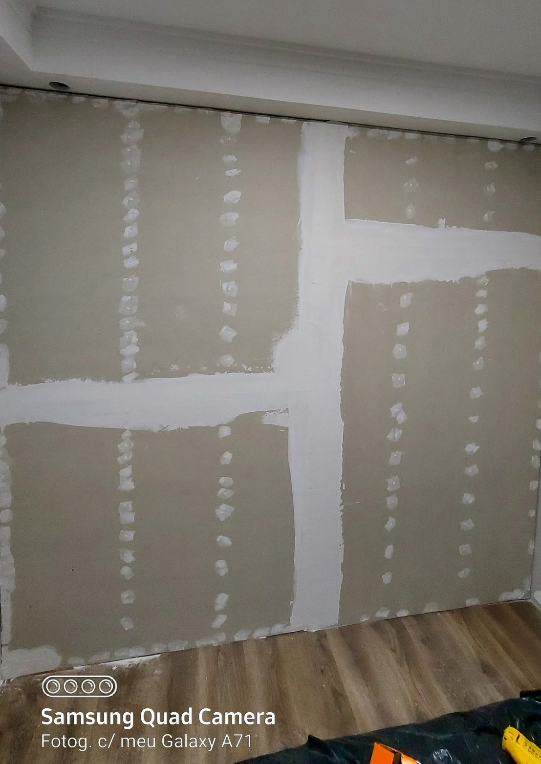 divisória de drywall, pronta para pintar