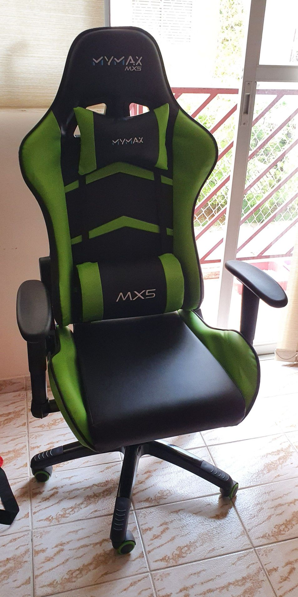 Montagem de cadeira gamer