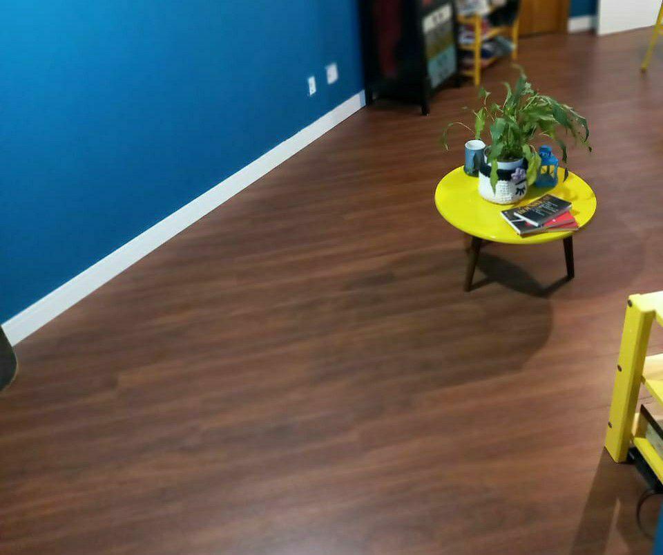 instalação piso rodapé