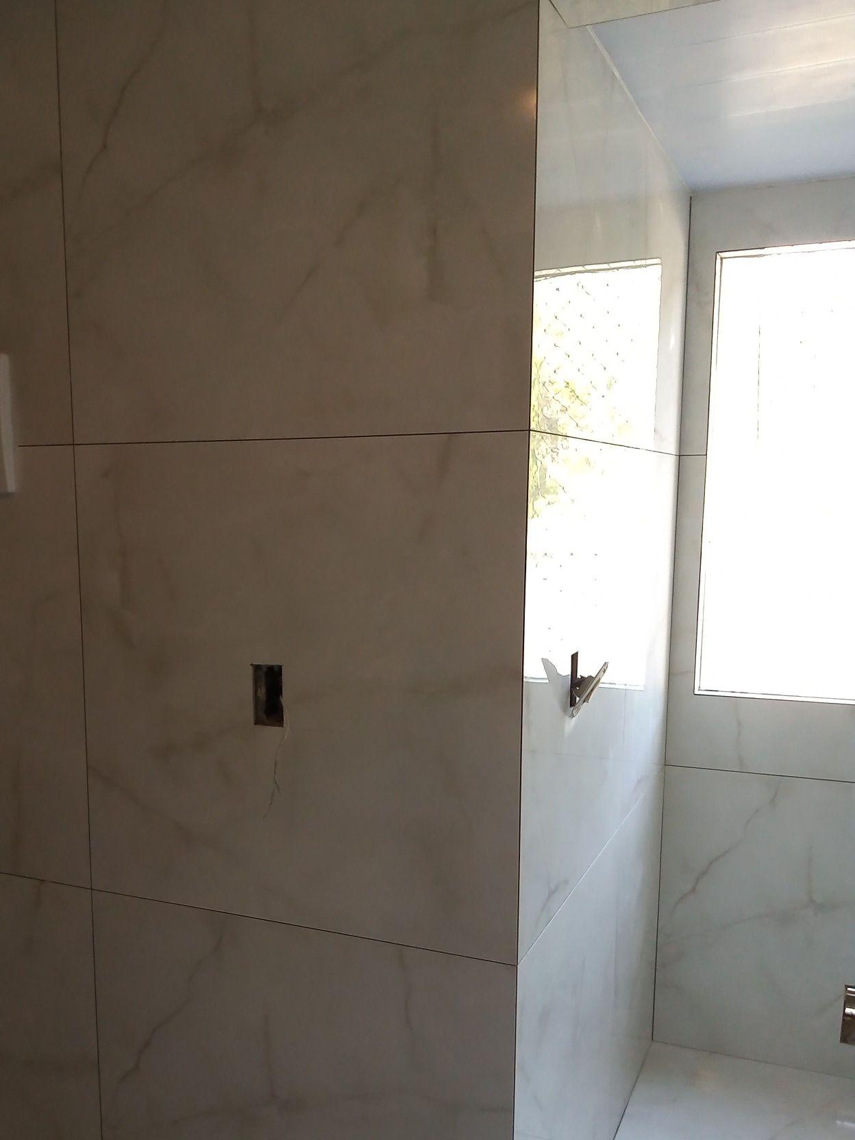 cozinha e área de serviço com porcelanato 80x80