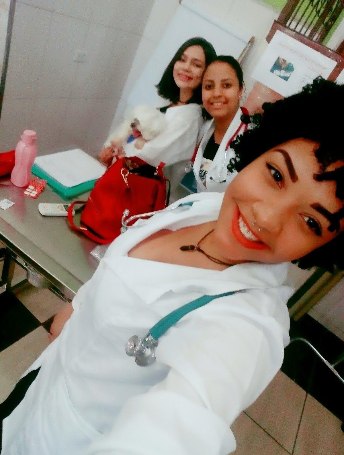 formação auxiliar de veterinária