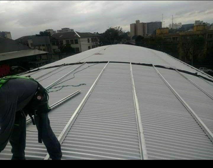 montagem de telhados igreja alcance