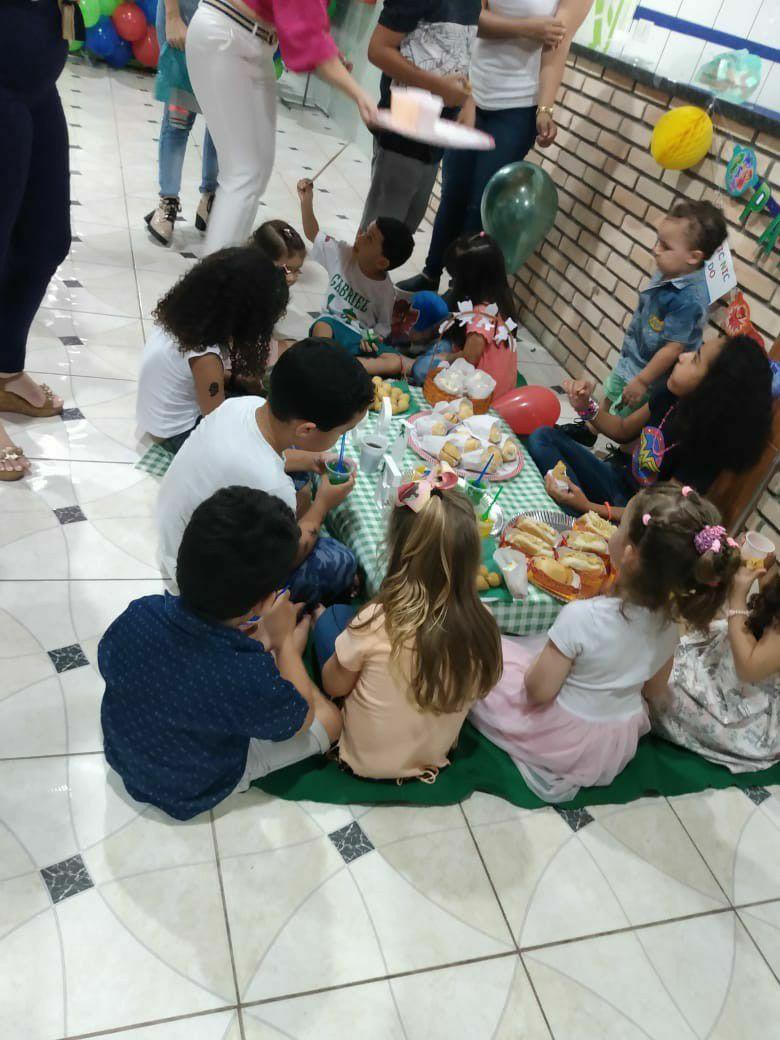 Piquenique com as crianças