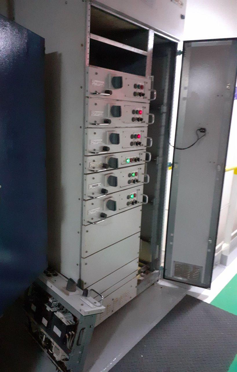 quadro de gaveta de navio plataforma