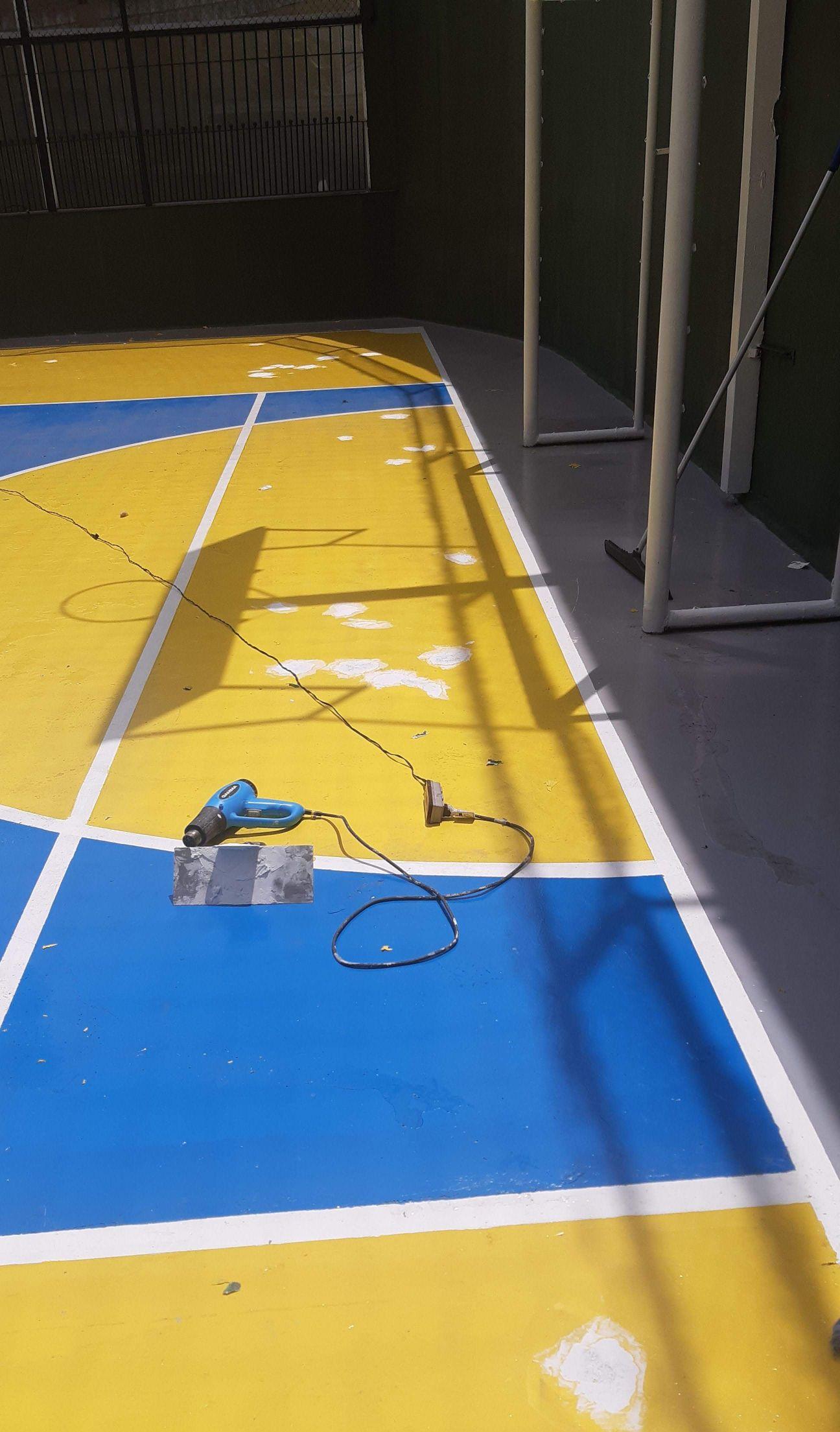 pintura em epóxi quadra esportiva