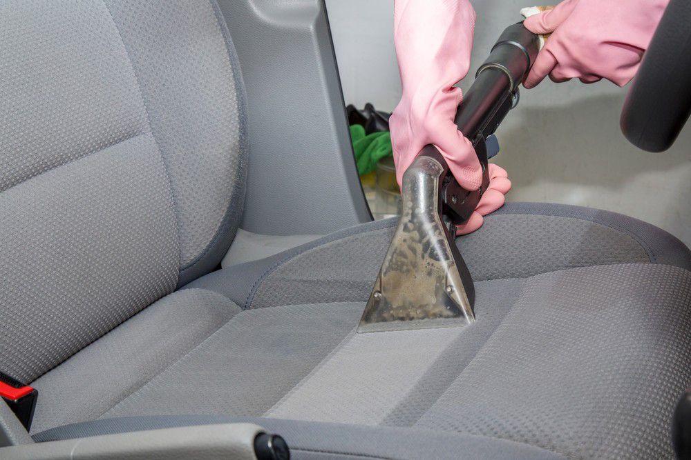 Higienização em Estofados automotivo.