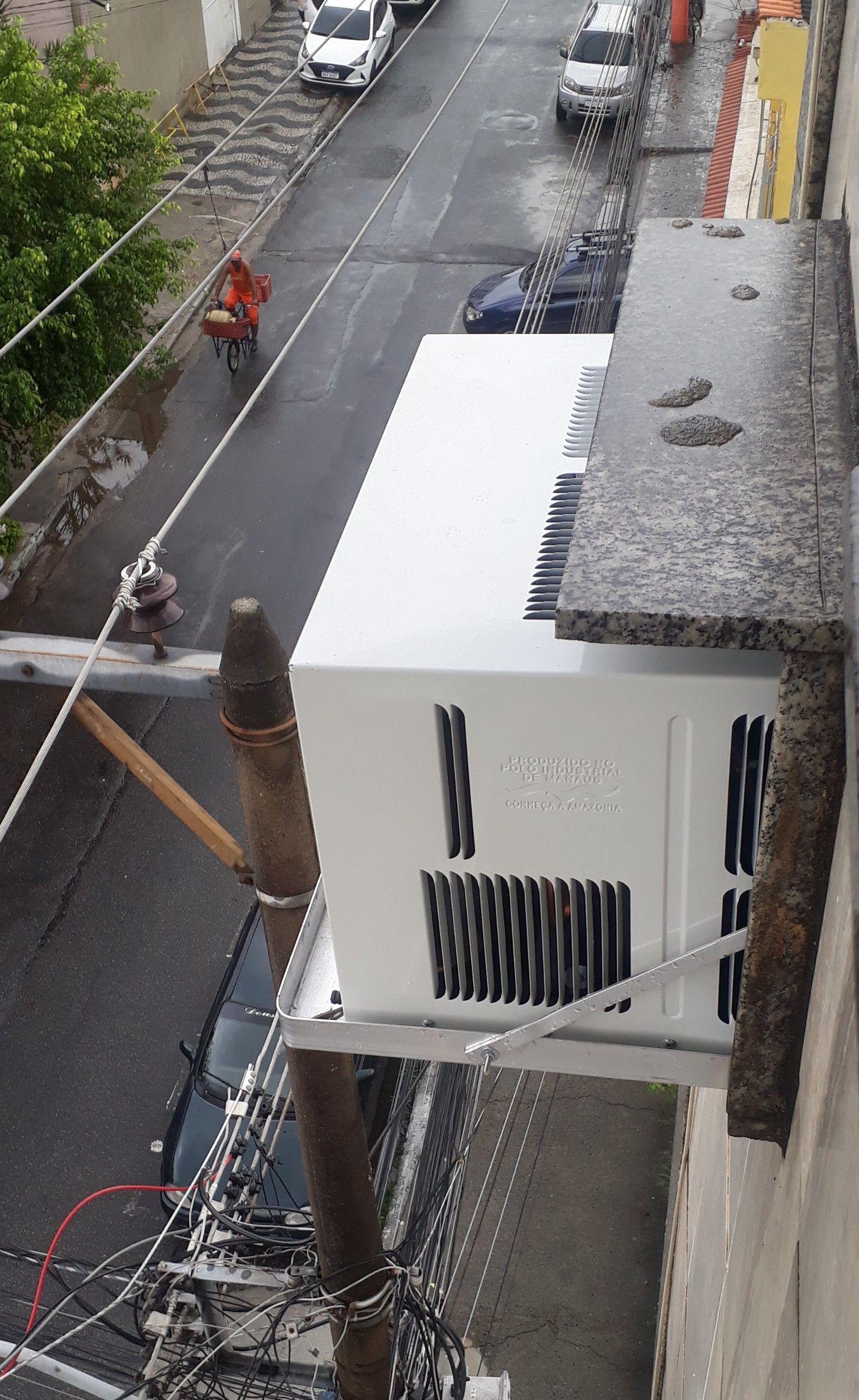 instalação de ar de janela com suporte