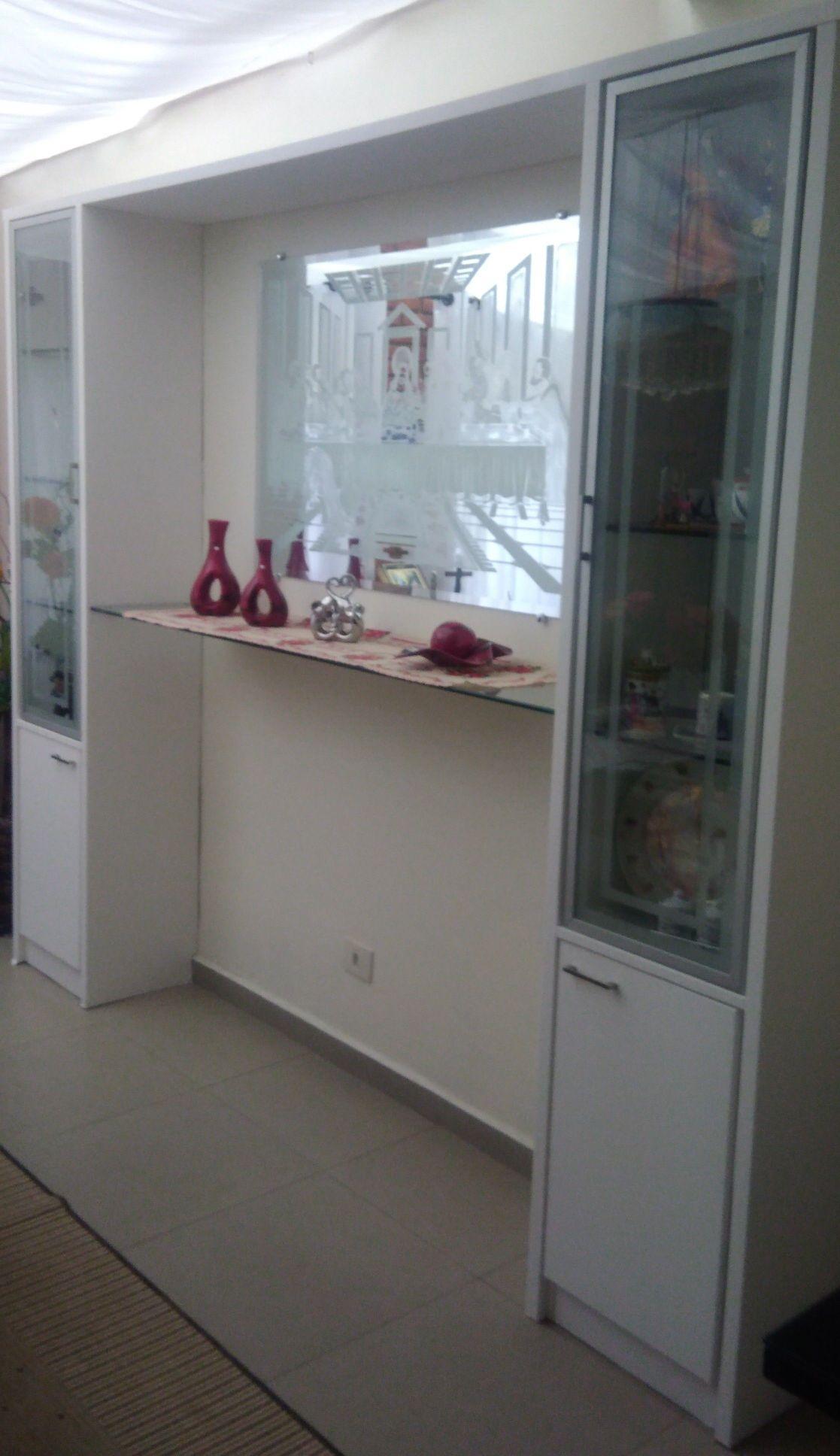 Montagem de estante em MDF e Vidro temperado