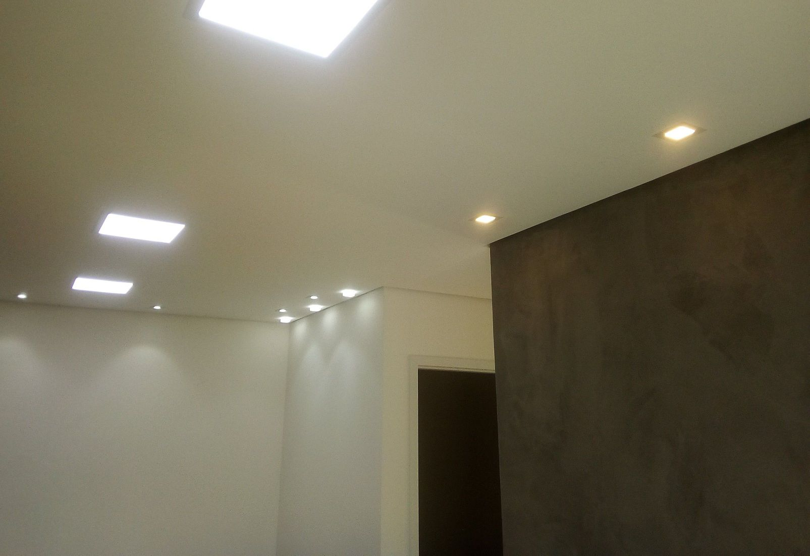 instalação forro elétrica e pintura apartamento