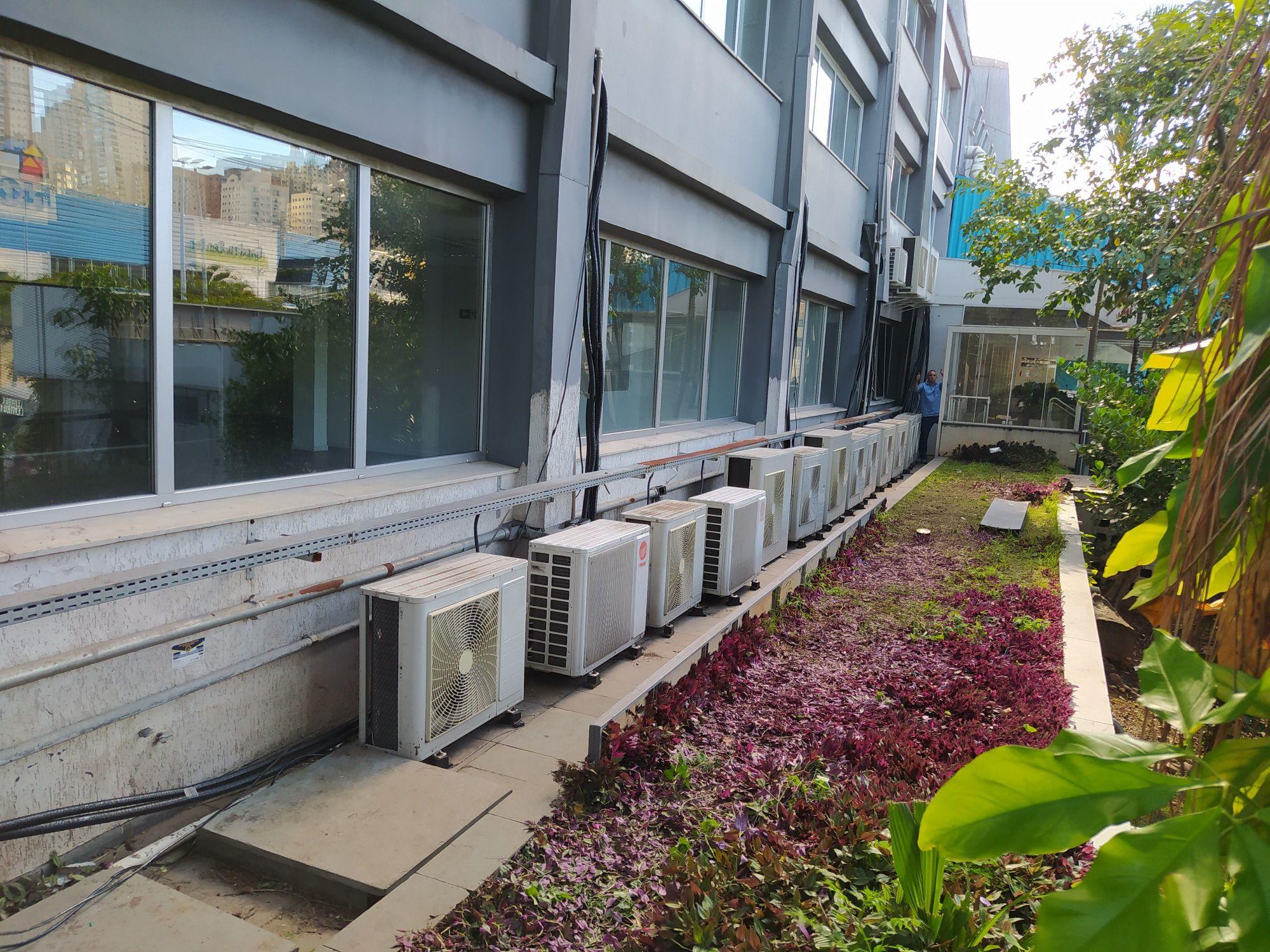 Instalação de equipamentos em escritório Alphavill