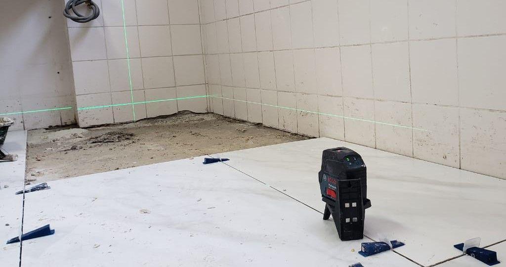 Colocação de piso de grande formato