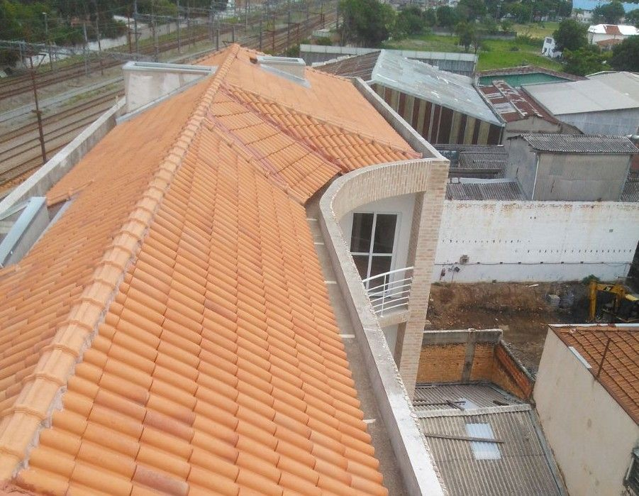 telhado em condomínio