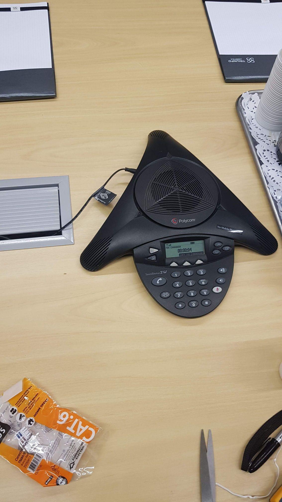 instalação da linha polycom de áudio conference.