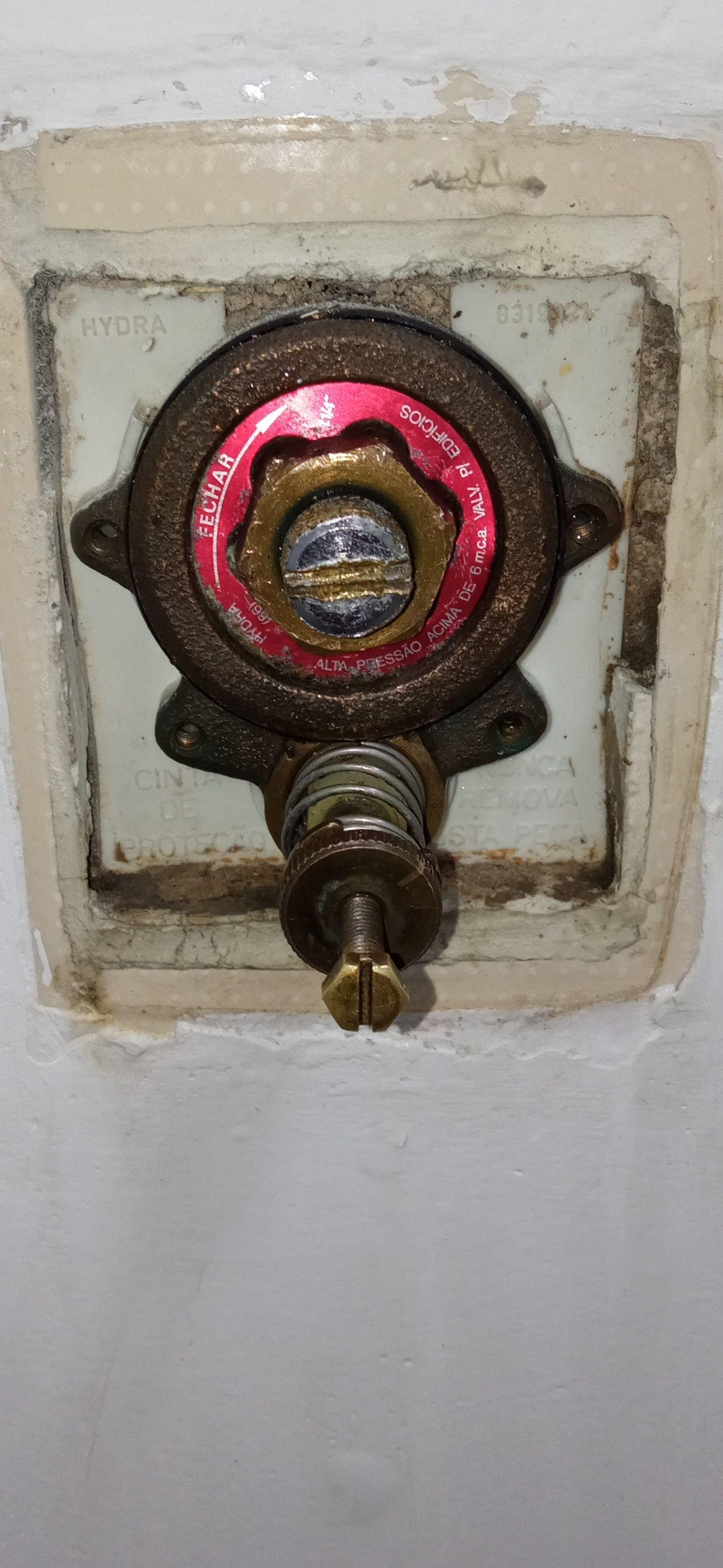 manutenção em válvula e instalação