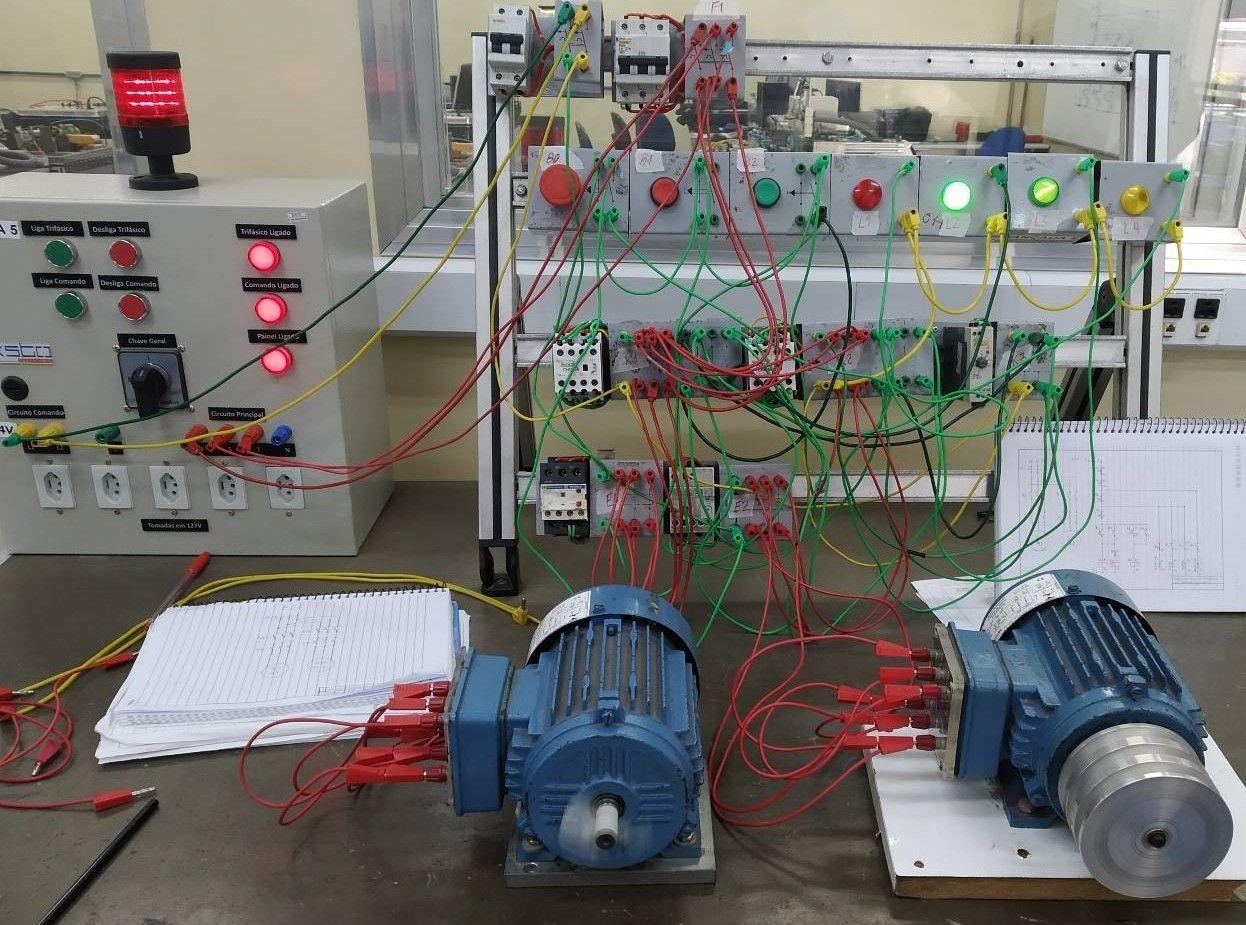 sala de treinamento comando elétrico