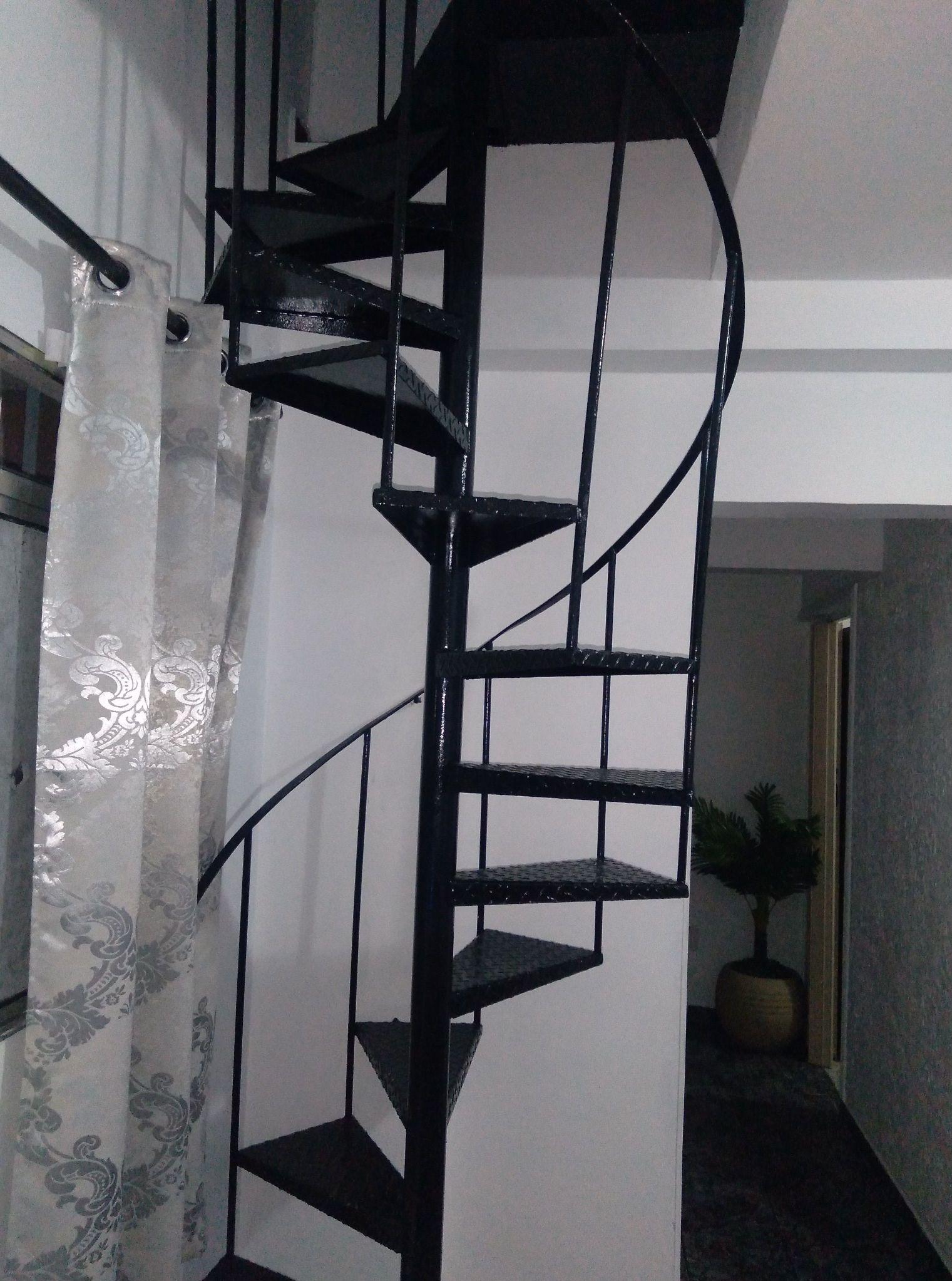 Pintura na Escada e Paredes