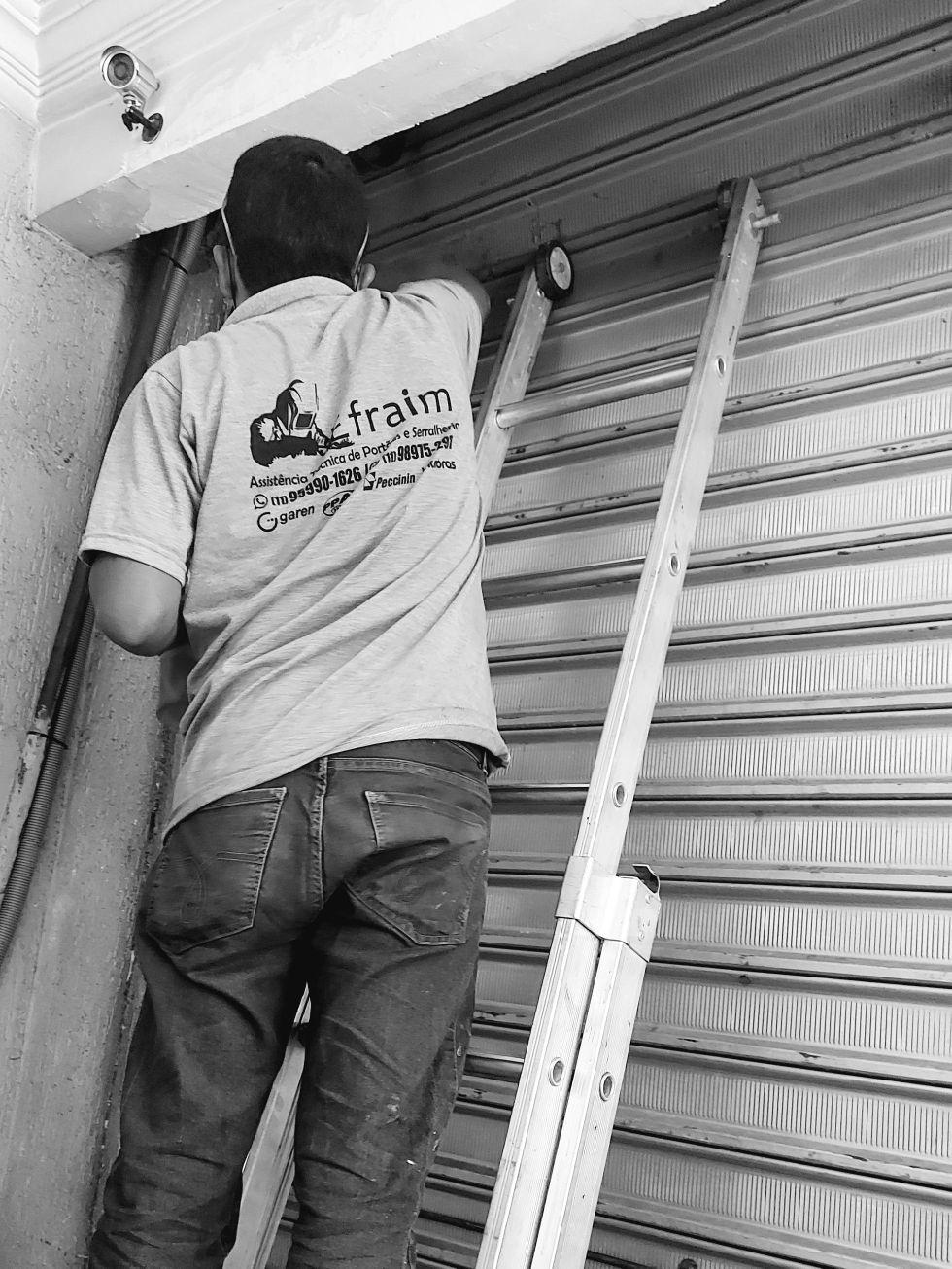 manutenção porta de aço