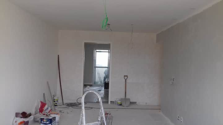 início da pintura do apartamento