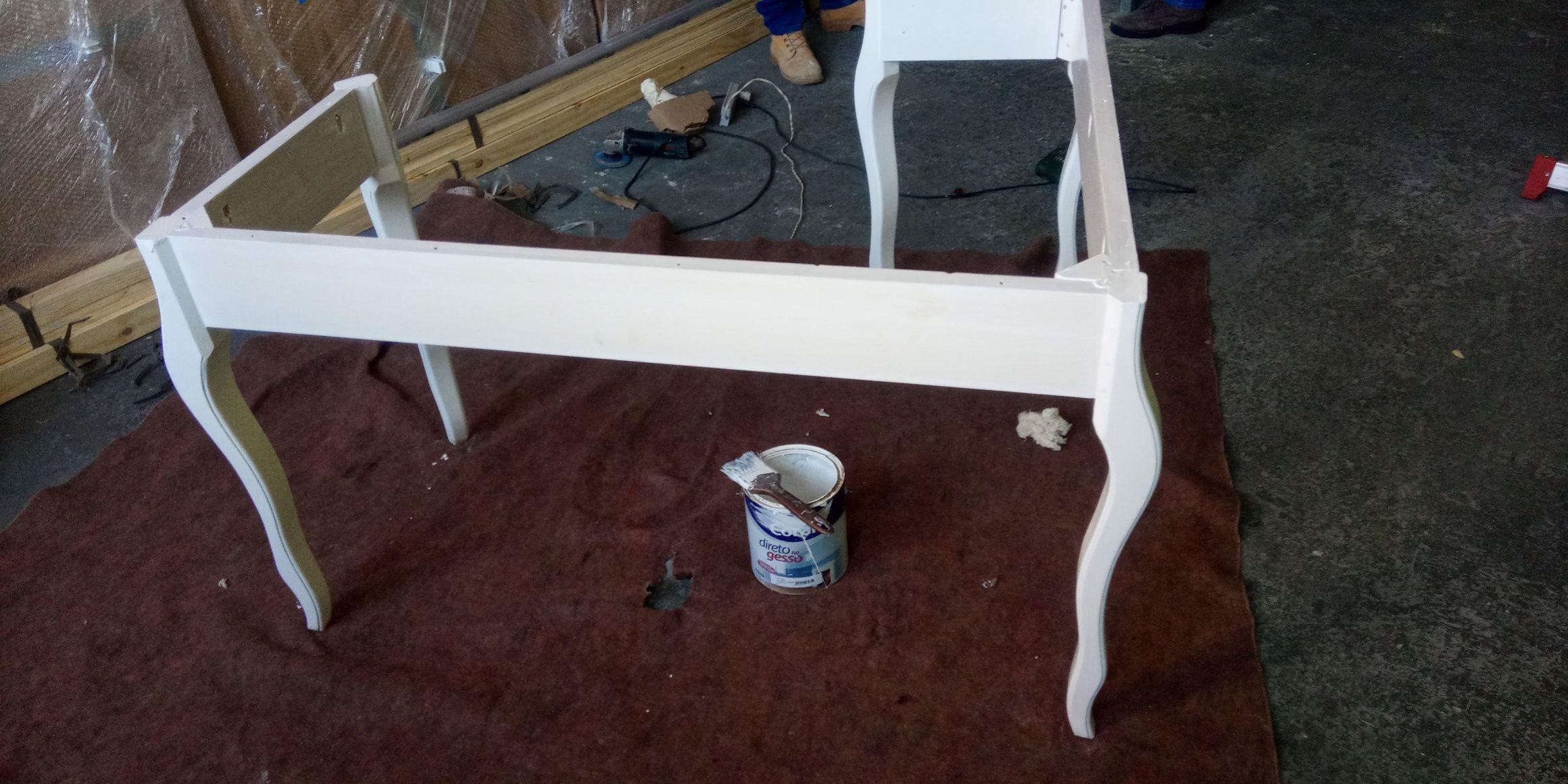 montagem e pintura da mesa