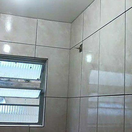 revestimento cerâmico colocado banheiro