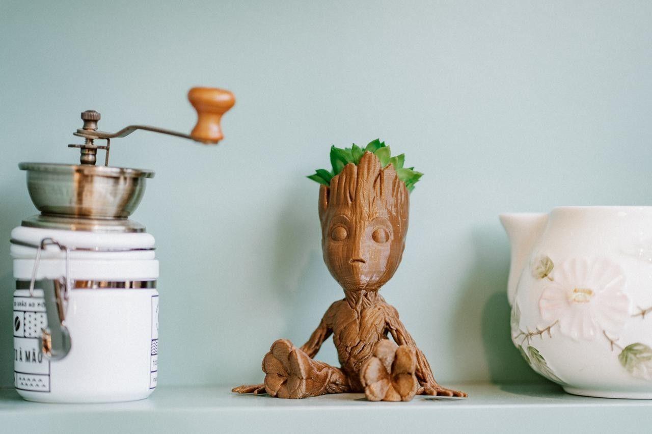 Objetivo decorativo Baby Groot.