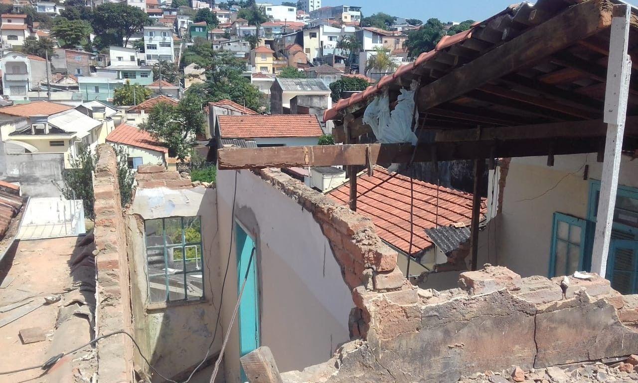 Demolição das paredes intermediárias