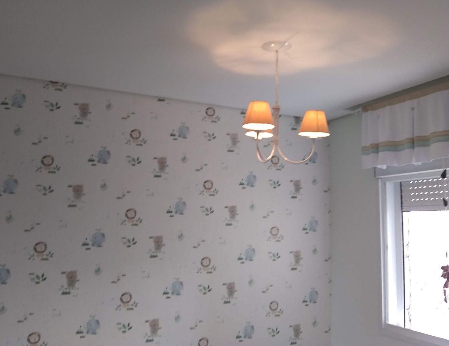 Linda decoração infantil , papel de parede discret