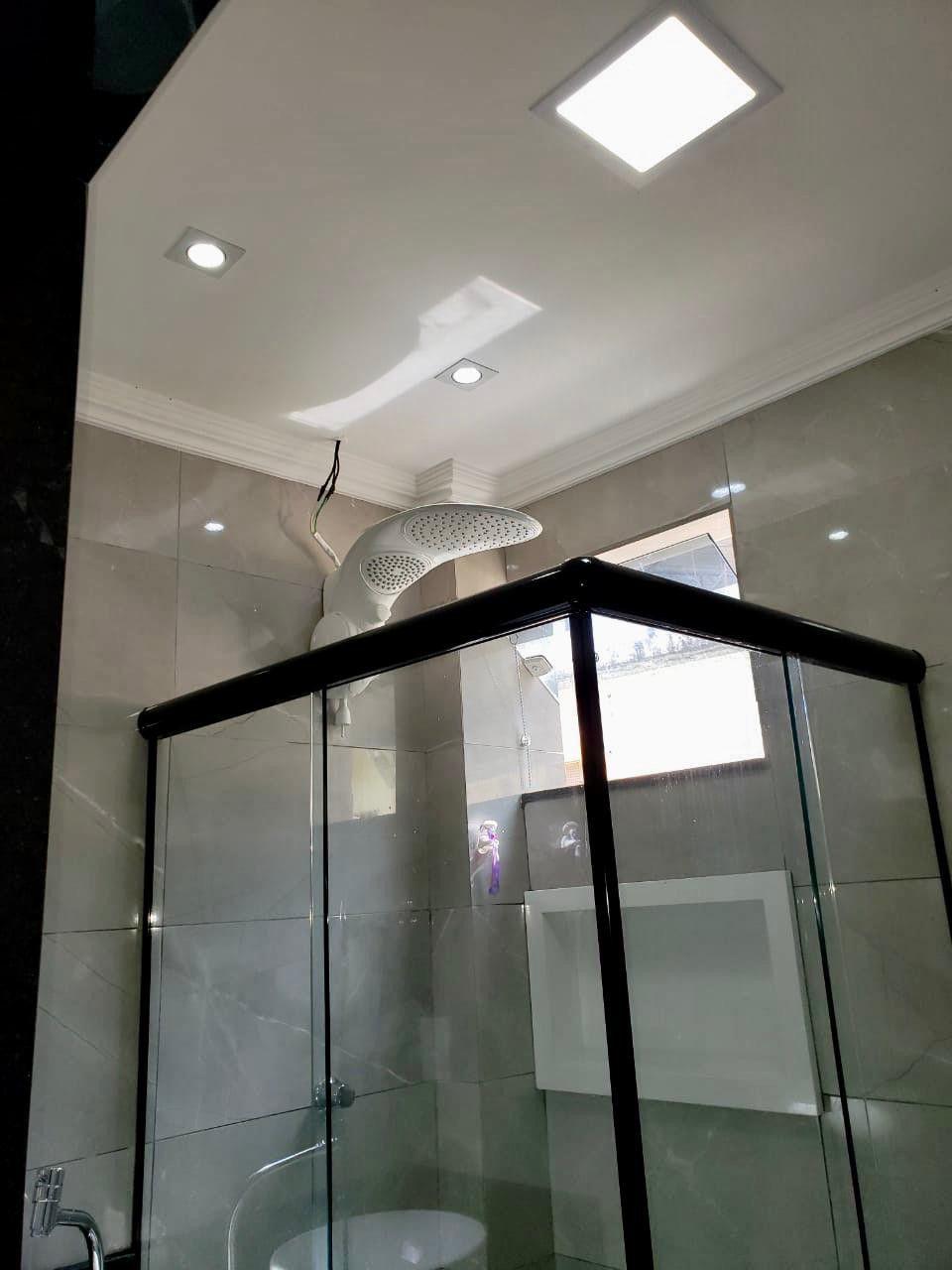 Instalação de piso e revestimento