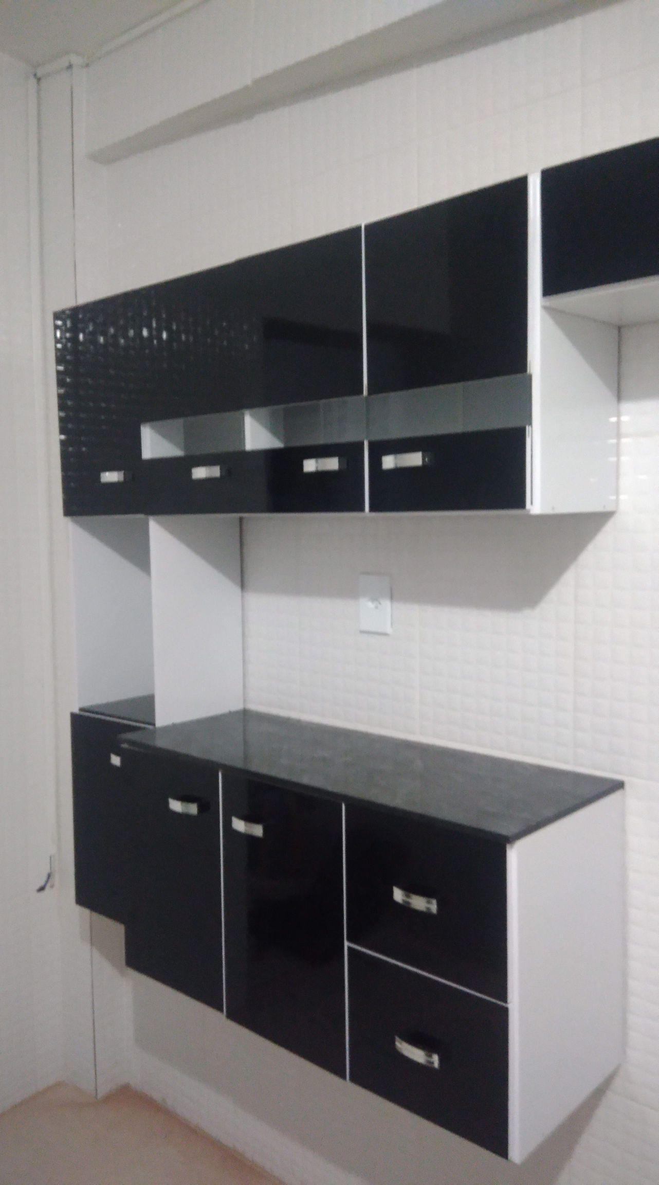 montagem de armário de cozinha