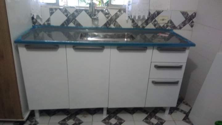 montagem de gabinete cozinha com instalação de pia
