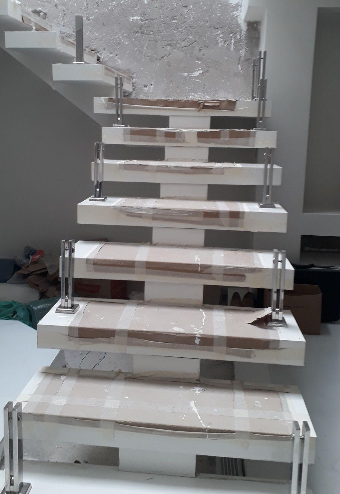 escada em torre inox e vidros  total