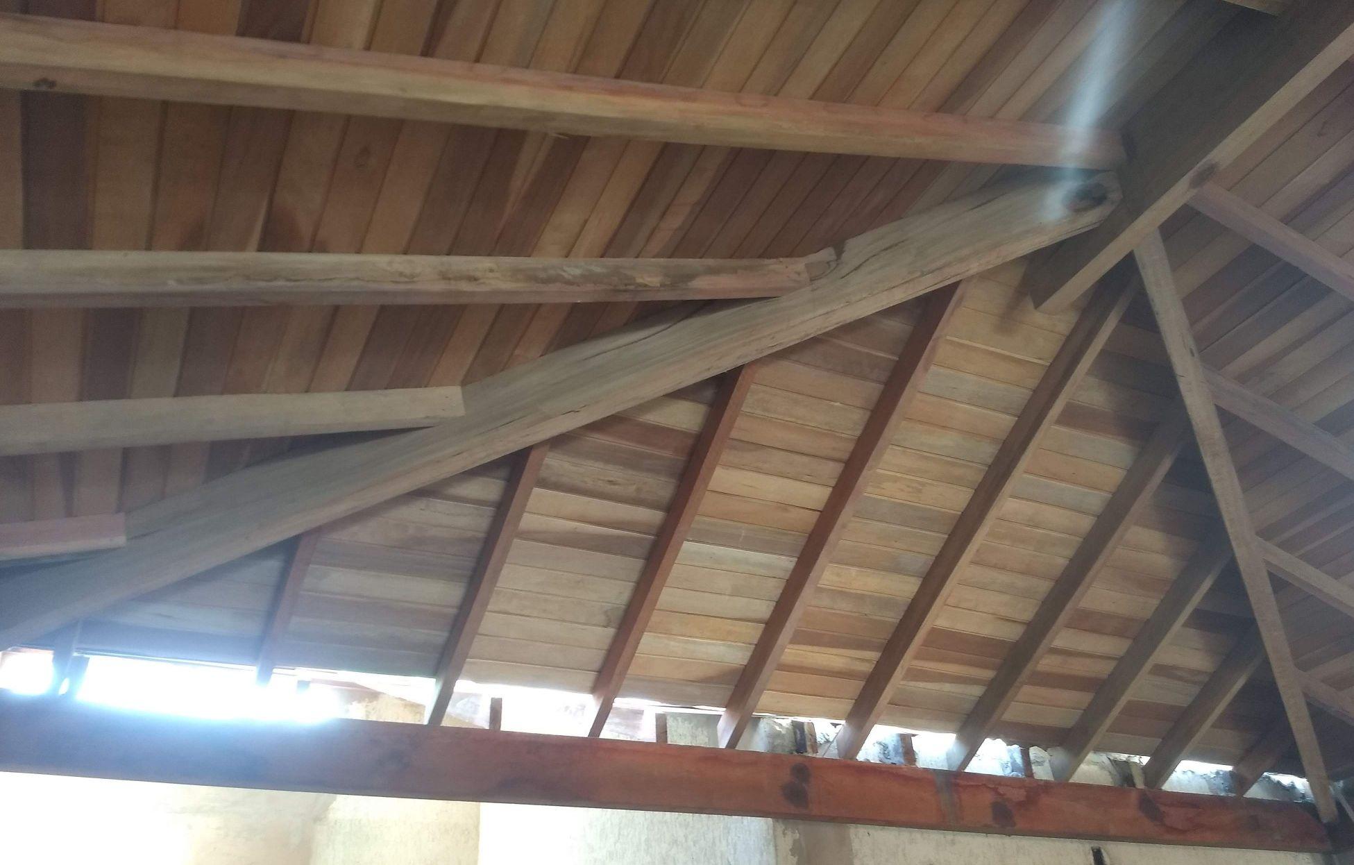 telhado residencial quatro água suspensso