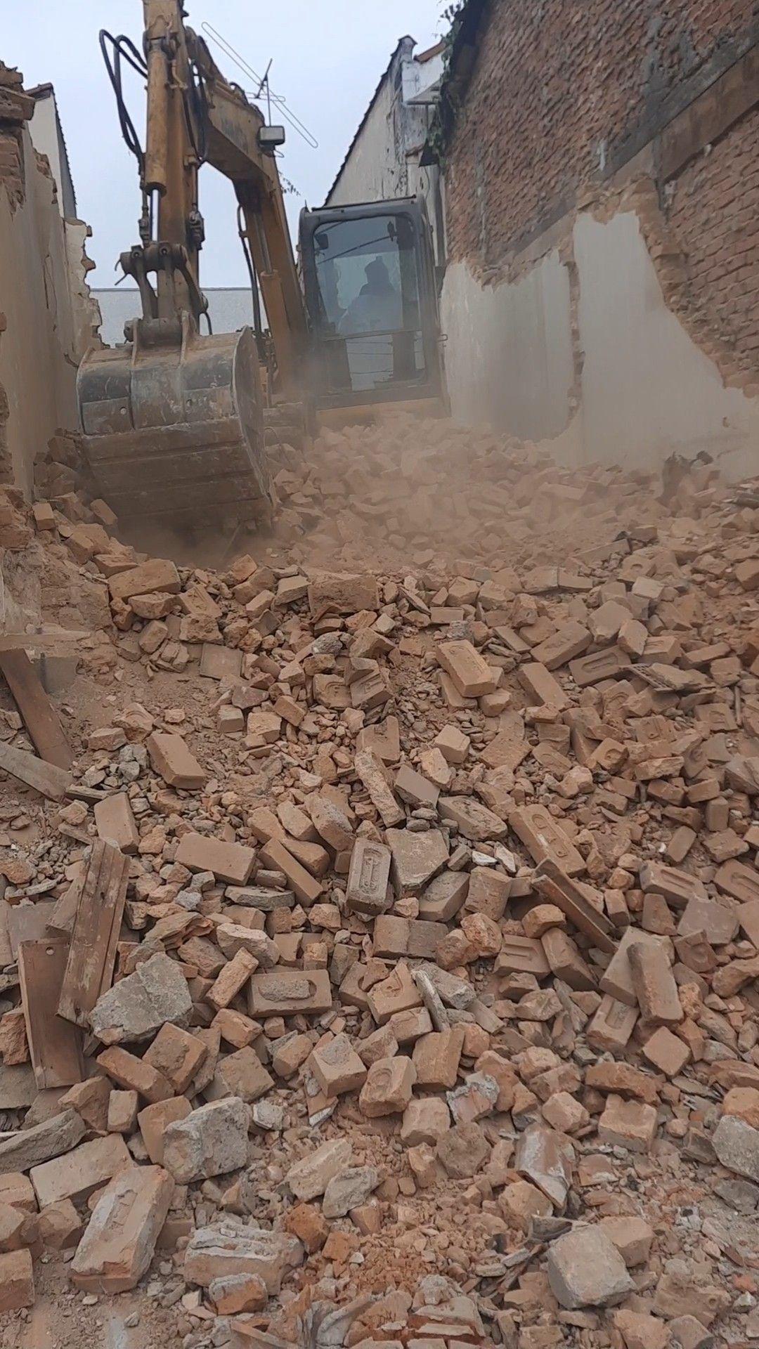 demolições de uma casa terrea