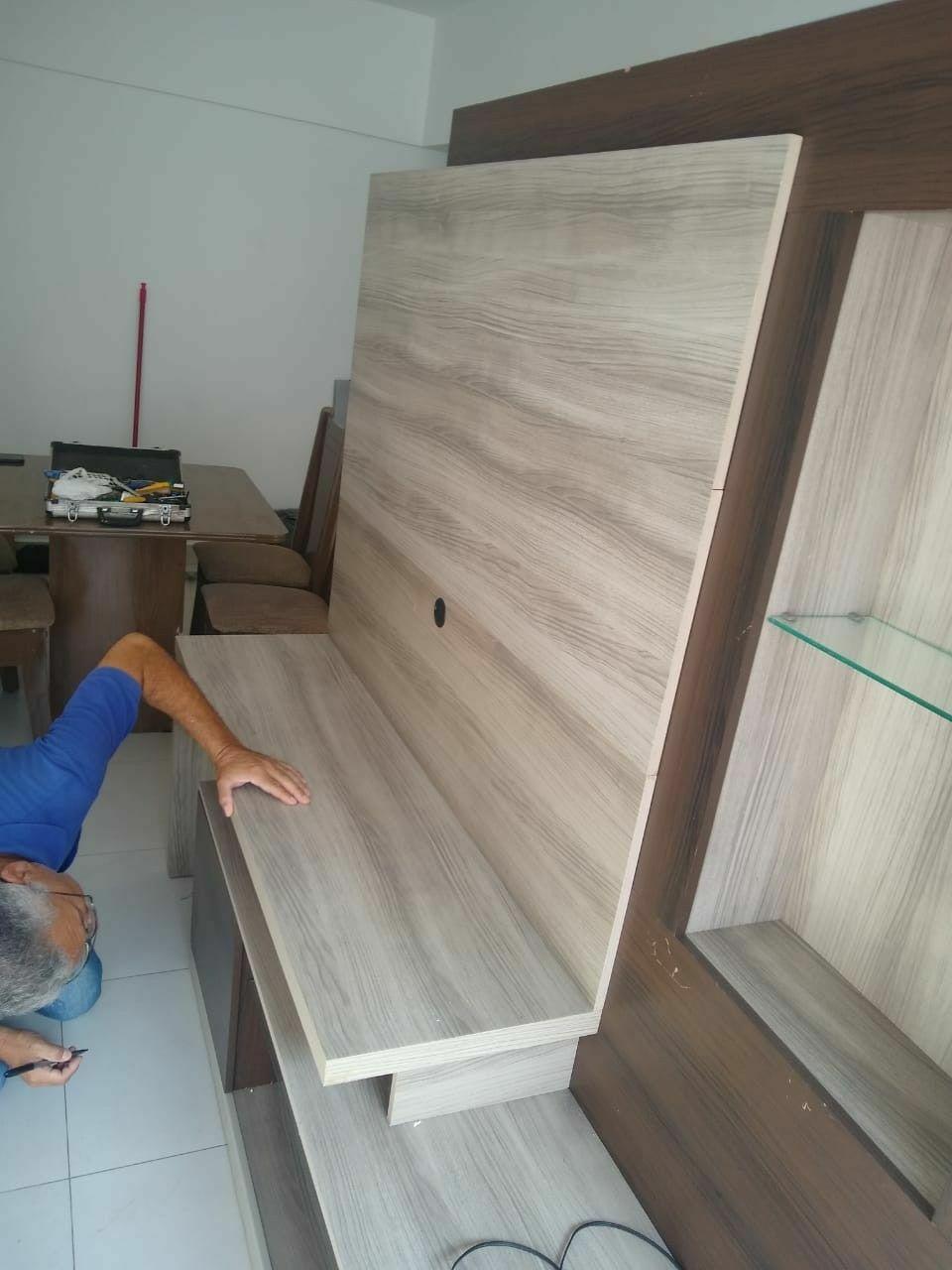 Montagem e desmontagem de móveis residenciais.