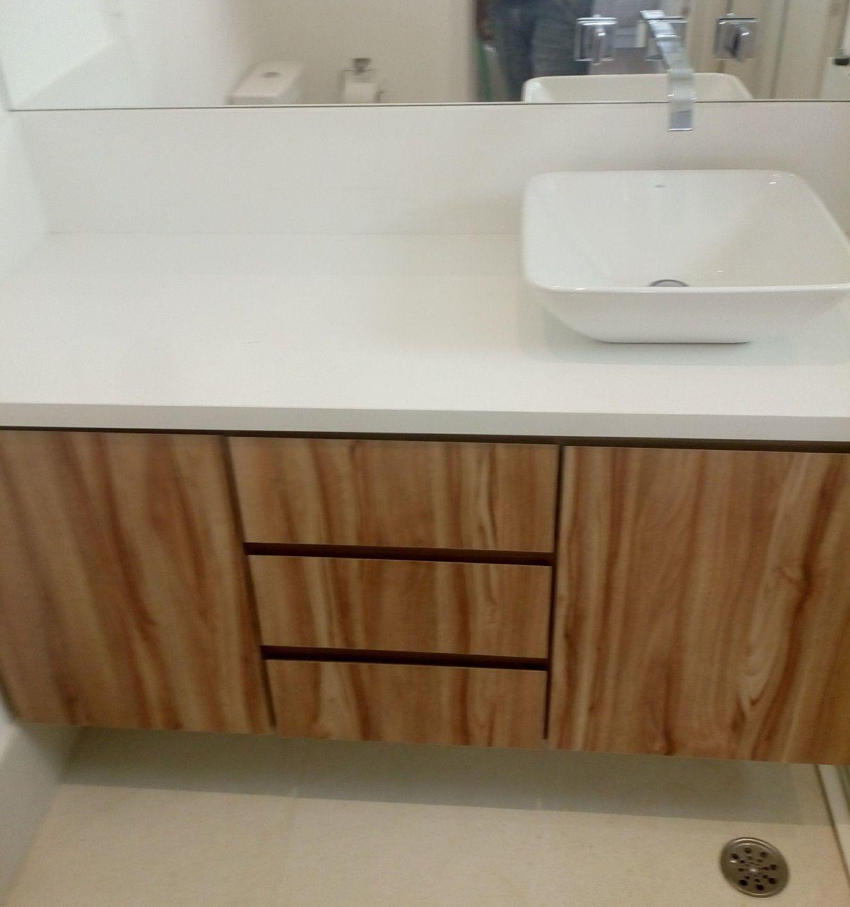 gabinete de banheiro em MDF