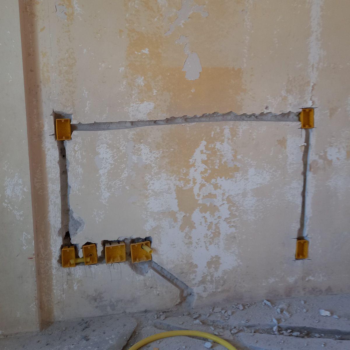 Instalação de caixinhas para tomadas e interruptor