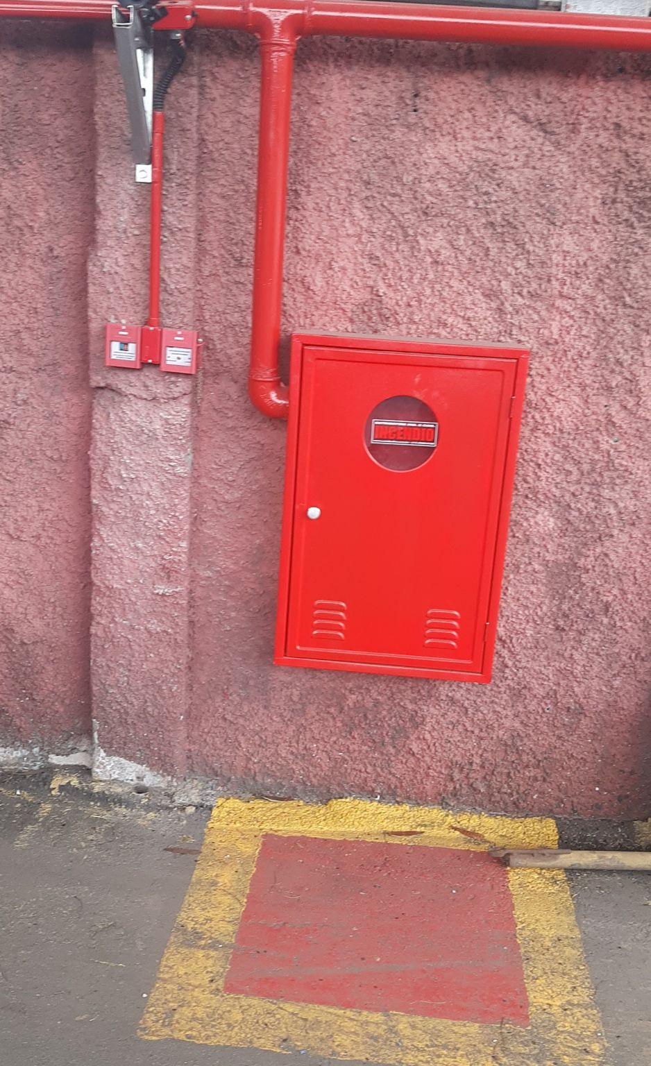 instalação do sistema de hidrante.
