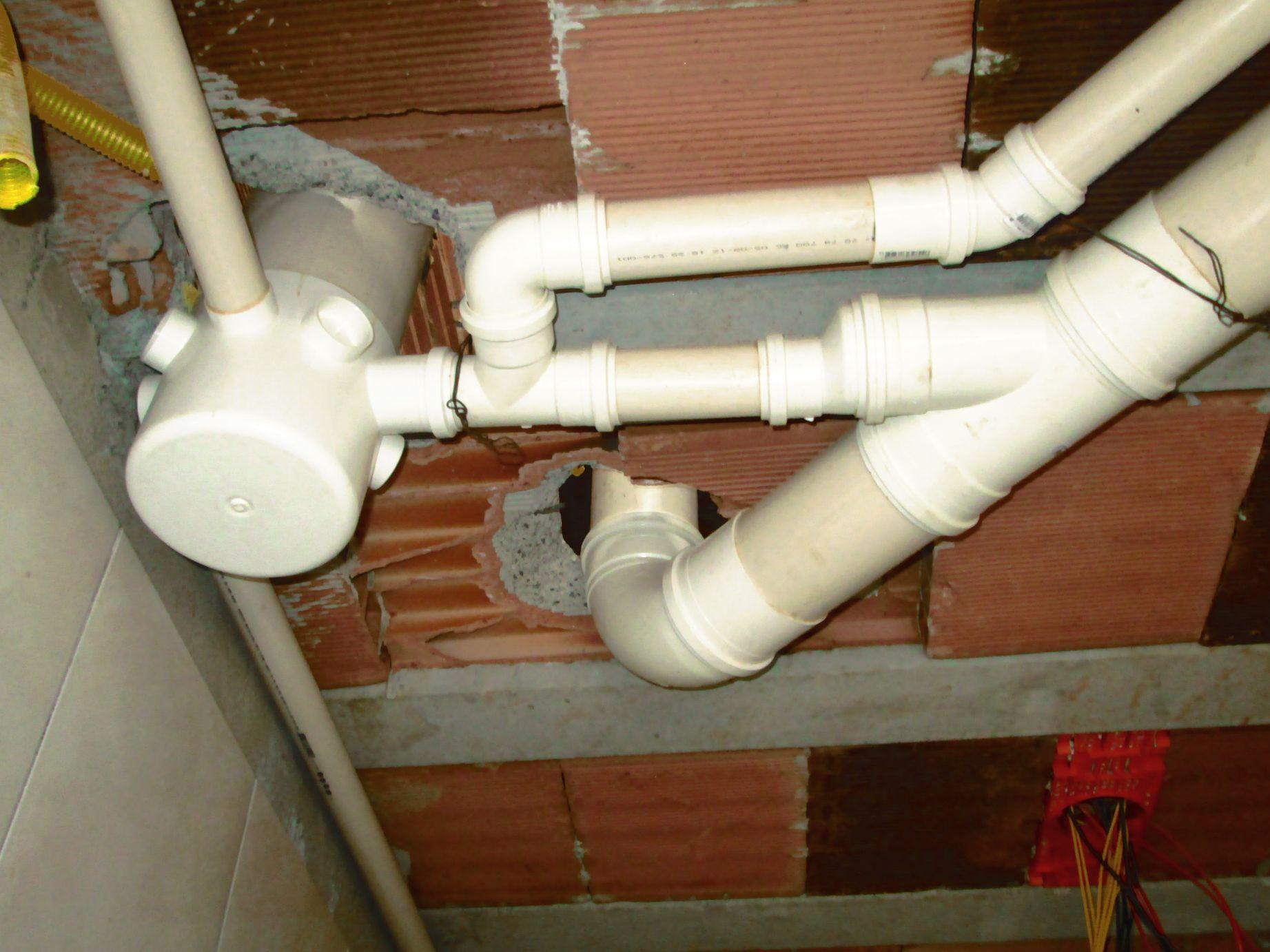 tubo de queda, esgoto com ventilação