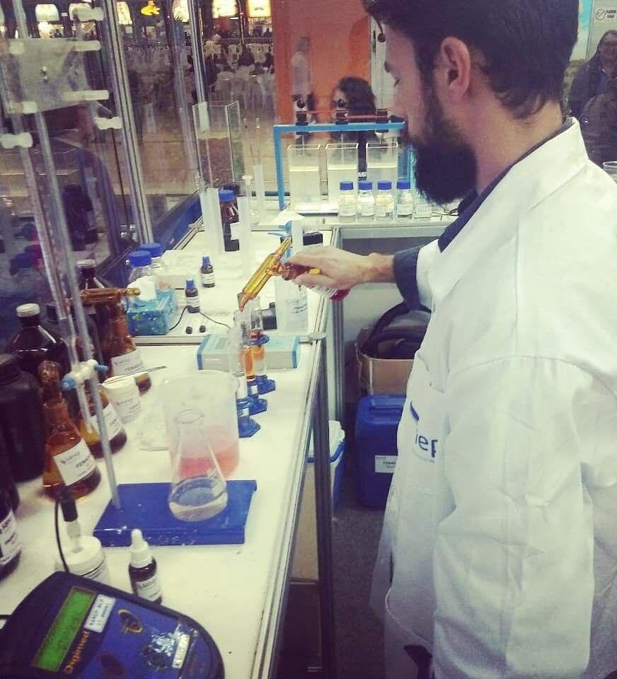 Com 5 anos de pesquisa e trabalho com a química.